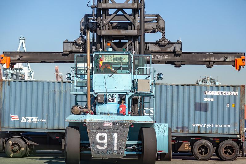 160225-loader-teu-truck-075