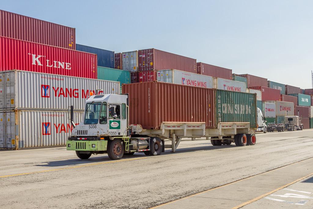 160225-truck-TEU-173
