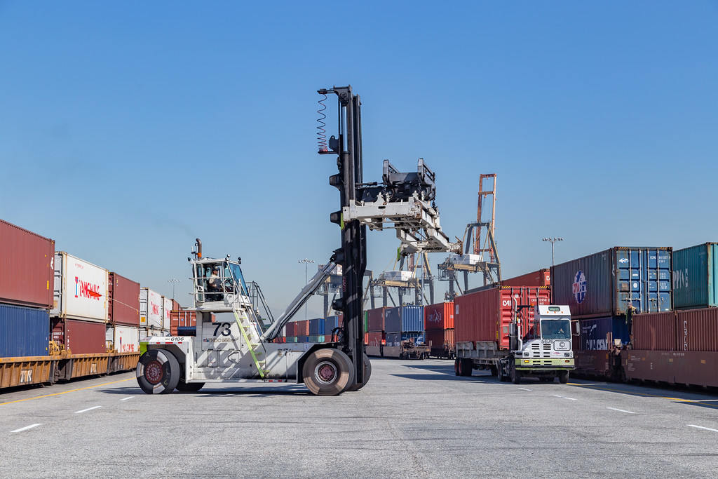 160225-rail-truck-loader-156
