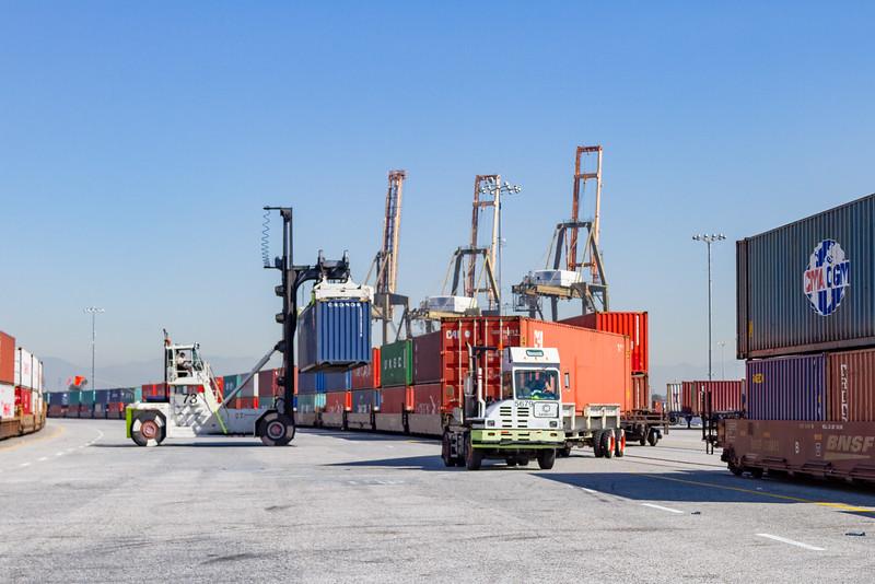 160225-rail-truck-loader-146