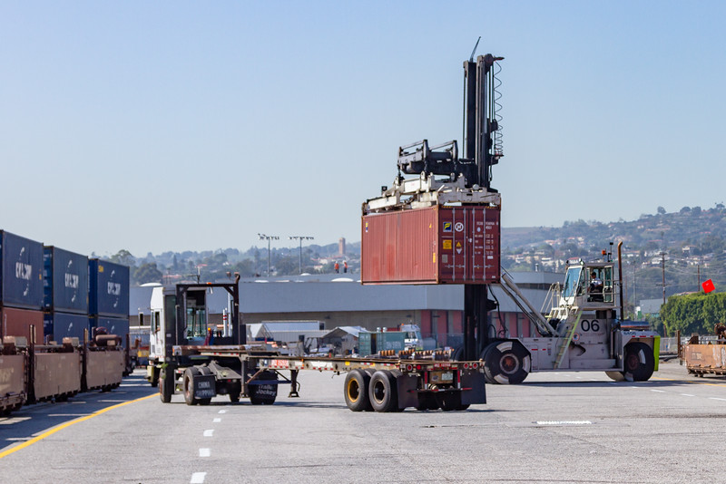 160225-rail-truck-loader-140