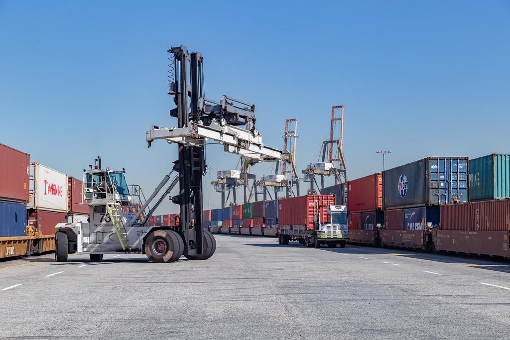 160225-rail-truck-loader-154