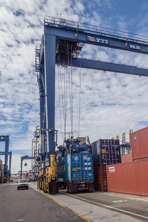 160217-crane-Truck-TEU-012