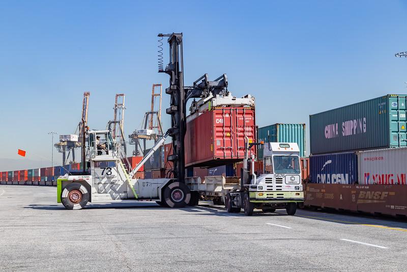 160225-rail-truck-loader-163