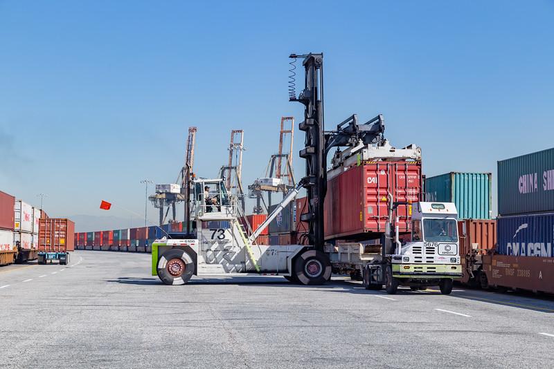 160225-rail-truck-loader-162