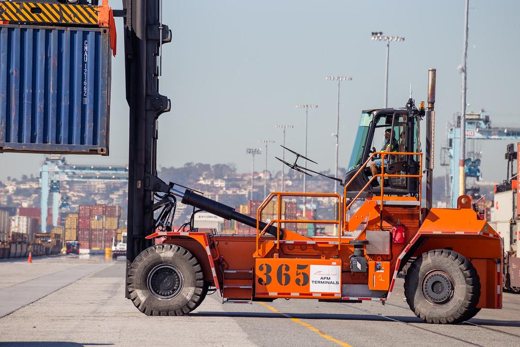 160225-loader-079