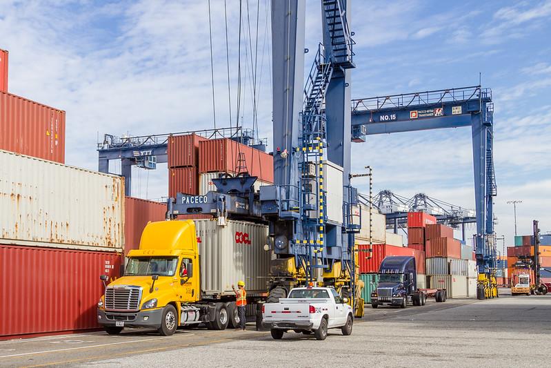 160217-crane-Truck-TEU-015