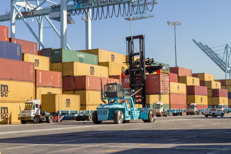 160225-loader-teu-truck-099