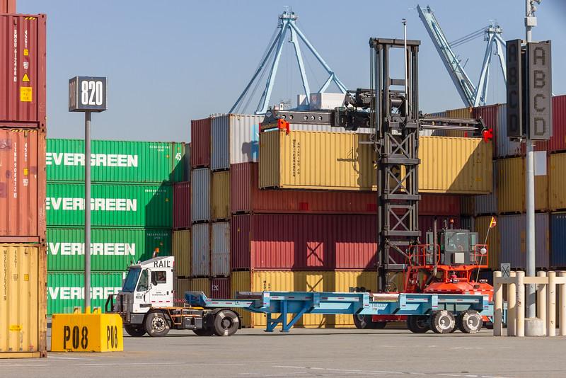 160225-loader-teu-truck-067