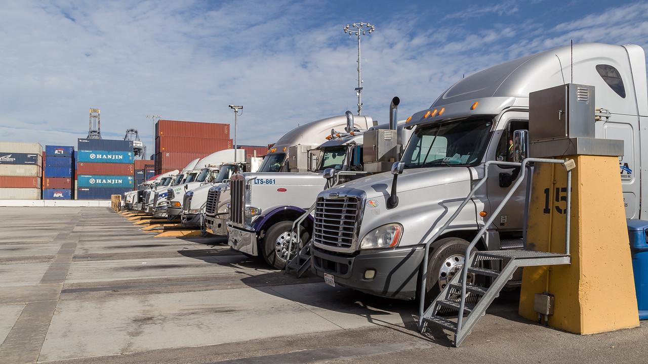 160217-YTI-Trucks-004