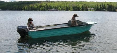 Rudy & Greta go for a cruise around Back Lake