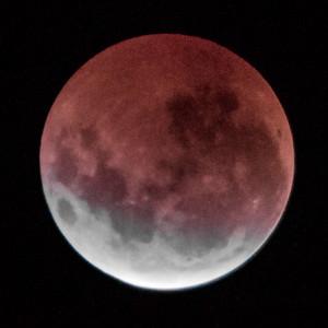 Total eclipse. 5 April 2015 h00:54