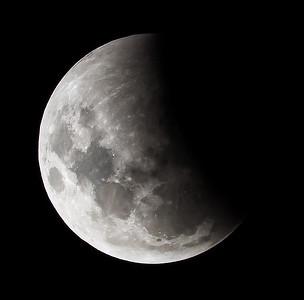 Partial eclipse. 4 April 2015 h23:42