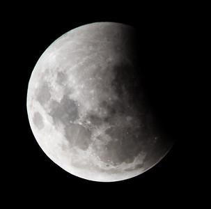 Partial eclipse. 4 April 2015 h23:33