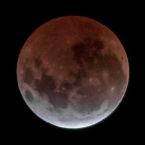 Total eclipse. 5 April 2015 h01:03