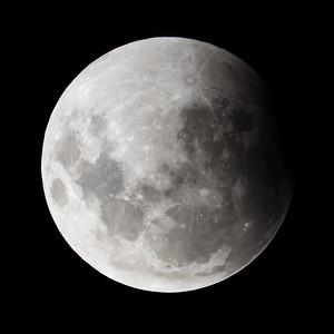Start of partial eclipse. 4 April 2015, h23:20.