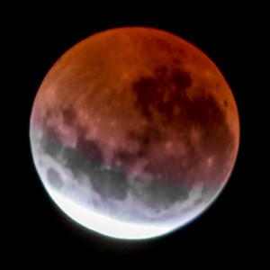 Partial eclipse. 5 April 2015 h00:40