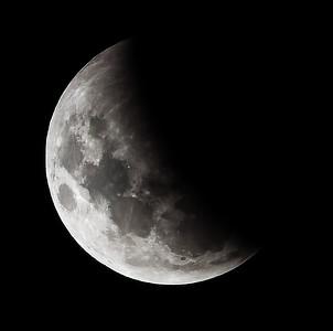 Partial eclipse. 4 April 2015 h23:53