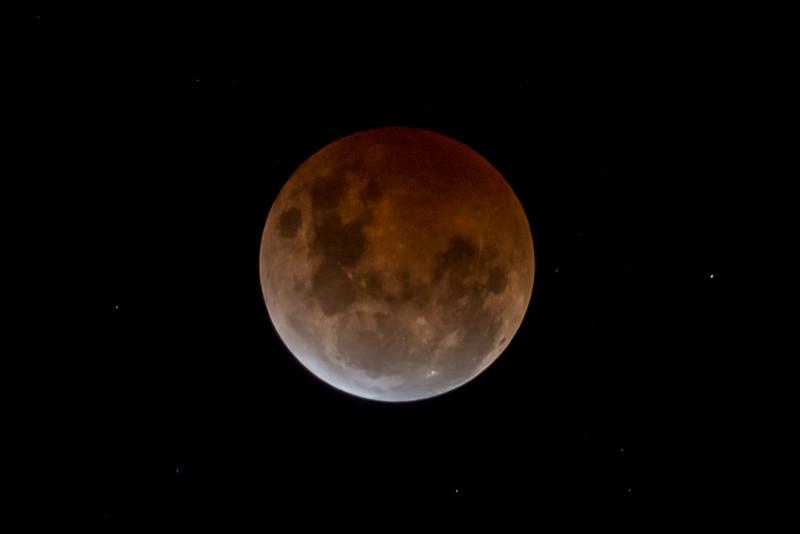 Lunar eclipse. Whariwharangi Hut (Abel Tasman National Park), 8/9 October 2014