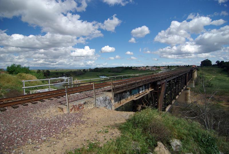 A BNSF Freight Train approaches the San Joquin River Bridge (1)