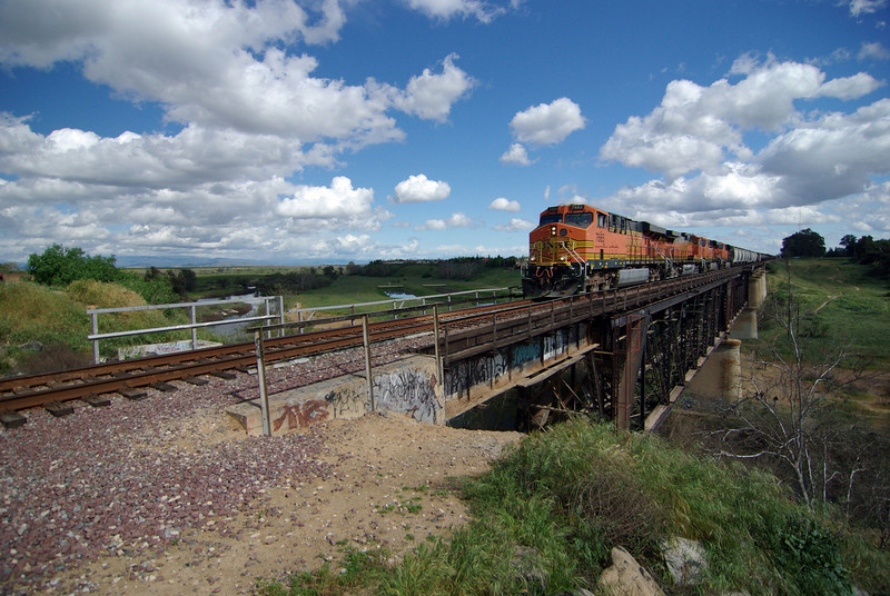 A BNSF Freight Train Crosses the San Joquin River Bridge (4)