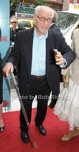 Eli Wallach photo  by Rob Rich © 2009 robwayne1@aol.com 516-676-3939