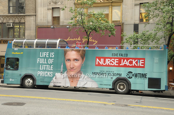 Nurse Jackie bus<br /> photo  by Rob Rich © 2009 robwayne1@aol.com 516-676-3939