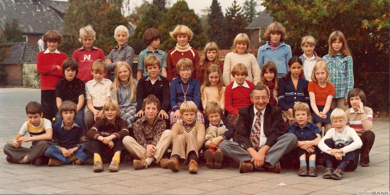 Koningin cq Prinses Beatrix high-school in Bussum, groep 5, from 1978. This picture was taken before I actually arrived in Bussum. I joined this class somewhere in Sept/Oct of that year.
