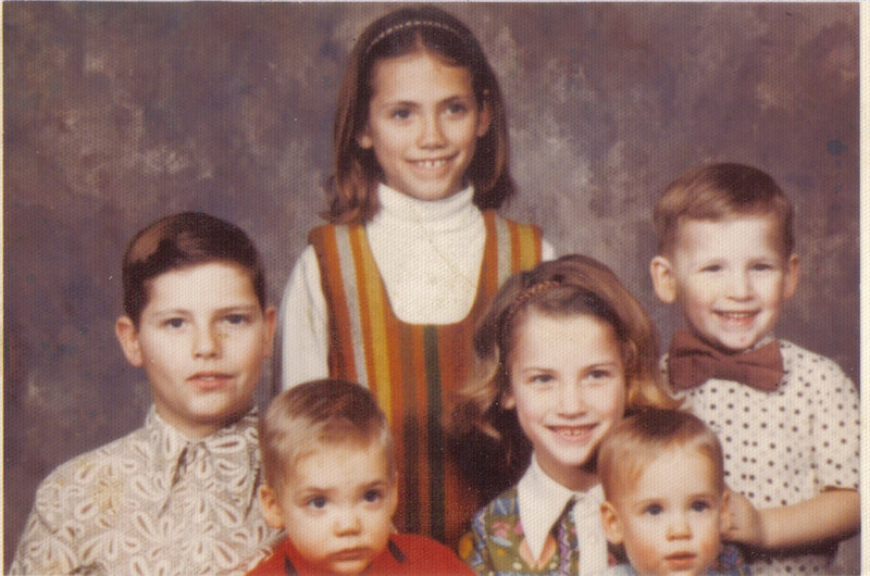 Clockwise from left - Andy, Vicki, Tim, Patty, Tom, and Kathy in the middle.  (Vicki and Kathy might be switched).
