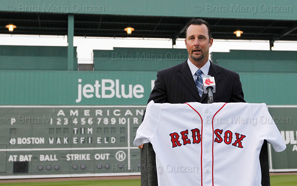 FORT MYERS, FL, Feb. 17, 2012: Boston Red Sox pitcher Tim Wakefield announces his retirement from baseball after 19 Major League seasons, the last 17 with the Red Sox. (Brita Meng Outzen/Boston Red Sox)