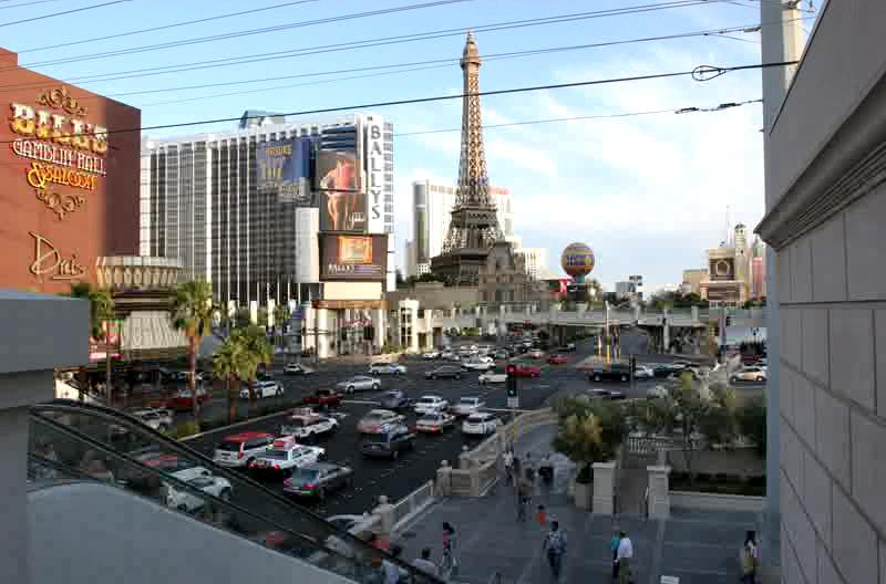 Las Vegas Strip, Daytime. 5/07 Shot at 1 frame/second, replayed at 15 frames/sec. This is approximately 5 minutes of traffic.