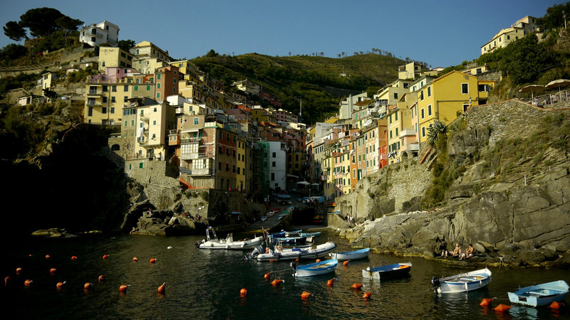 Riomaggiore, Cinque Terre, Italy.<br /> I used a 5 seconds interval with my Pixel TC-252 remote, Panasonic GH2 and Panasonic 14-42 kit lens. I accelerated this video to 20 frames per second