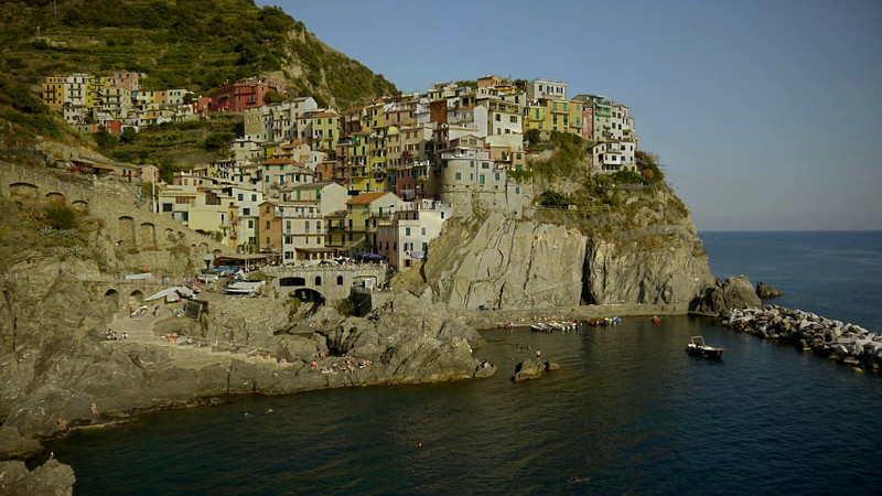 Manarola. HDR time-lapse. I rather prefer the one made with exposure fusion.