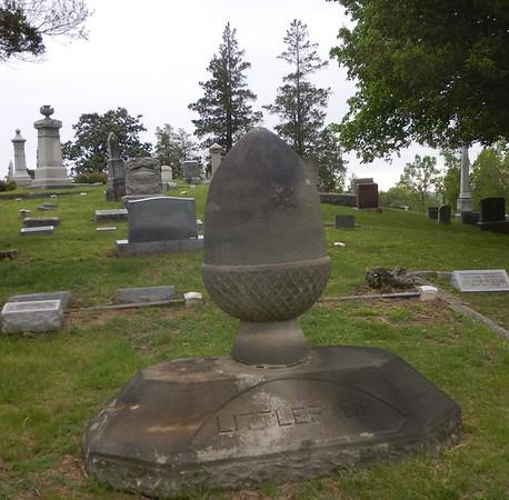 https://photos.smugmug.com/Other/Tombstones/i-fq7j8BM/0/0cb3e9c0/M/DSCN3580-M.jpg