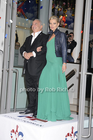 Sir Phillip Green, Kate Moss<br /> photo by Rob Rich © 2009 robwayne1@aol.com 516-676-3939