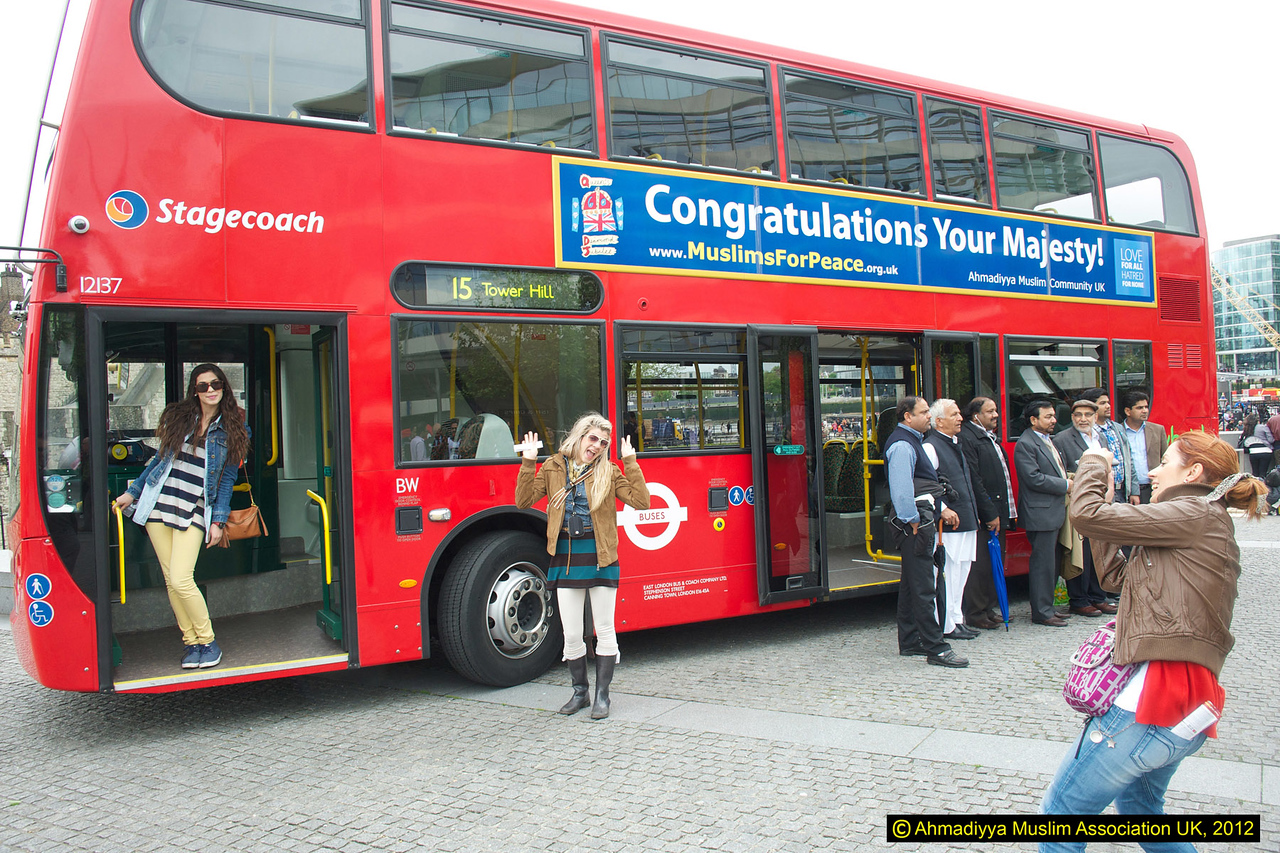Peace message on Jubilee bus was a photo opportunity for tourists