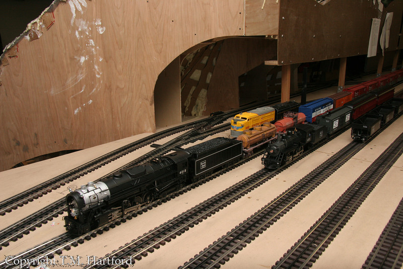 B&M T-1a 4018 and B-15 1455 pose for a family reunion portrait.