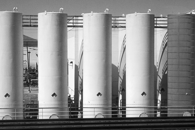Storage Tanks, Linden, NJ<br /> ©2019 Peter Aldrich