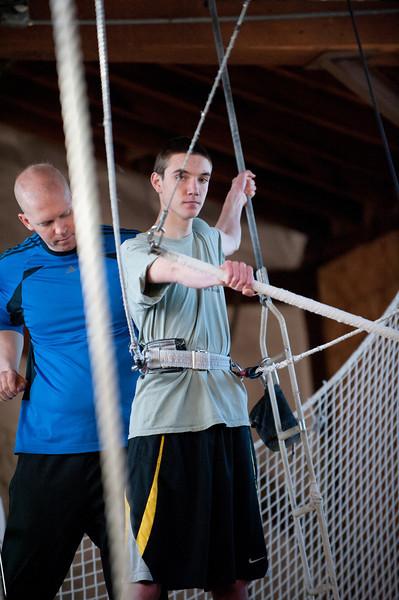 trapeze-022511--6021