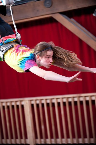 trapeze-022511--6106