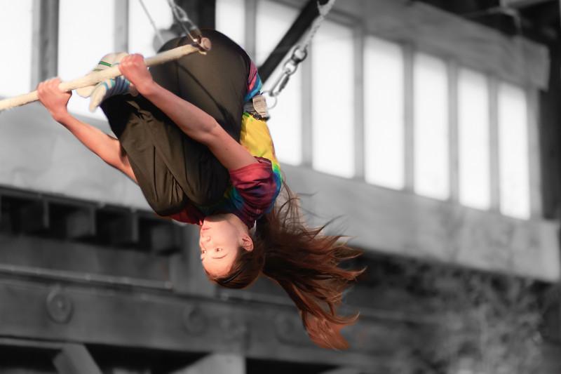 trapeze-022511--6277