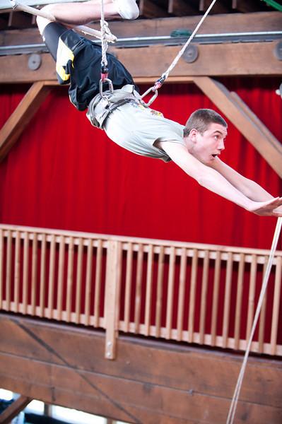 trapeze-022511--6038