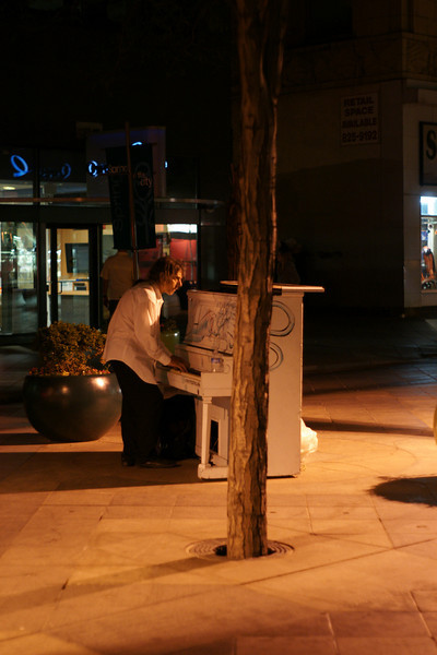 "There is one ""public piano"" each block on the mall...<br /> <br /> DSC06929"