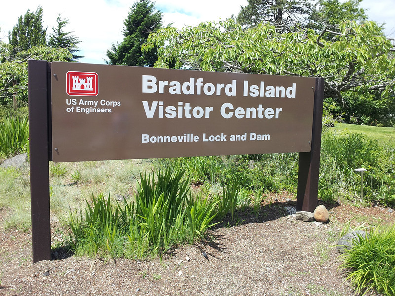 Bradford Island - Oregon<br /> Bonneville Dam