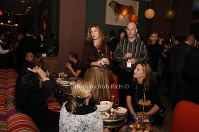 atmosphere photo by Rob Rich © 2009 robwayne1@aol.com 516-676-3939