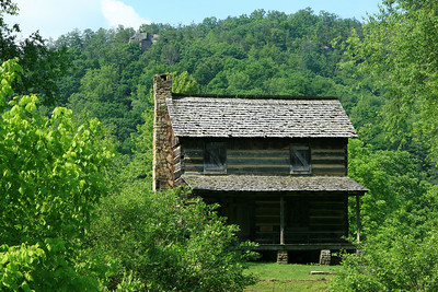 Gladie Log House