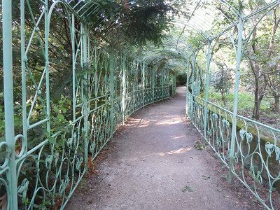 The park surrounding the castle was built to be a giant botanical garden with a huge variety of plants from around the globe.