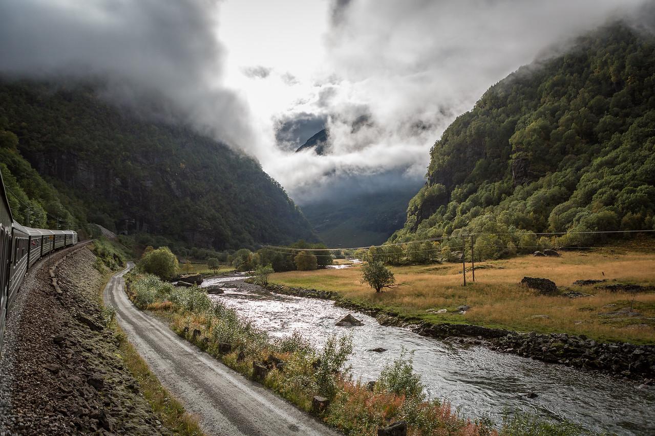 Rallarveien, Flåmsdalen ned på sykkel