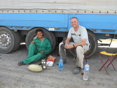Chai with a Turkish truck driver who's broken-down and has been waiting four days for assistance!