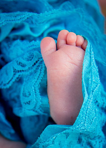 Em's Toes (1 of 1)